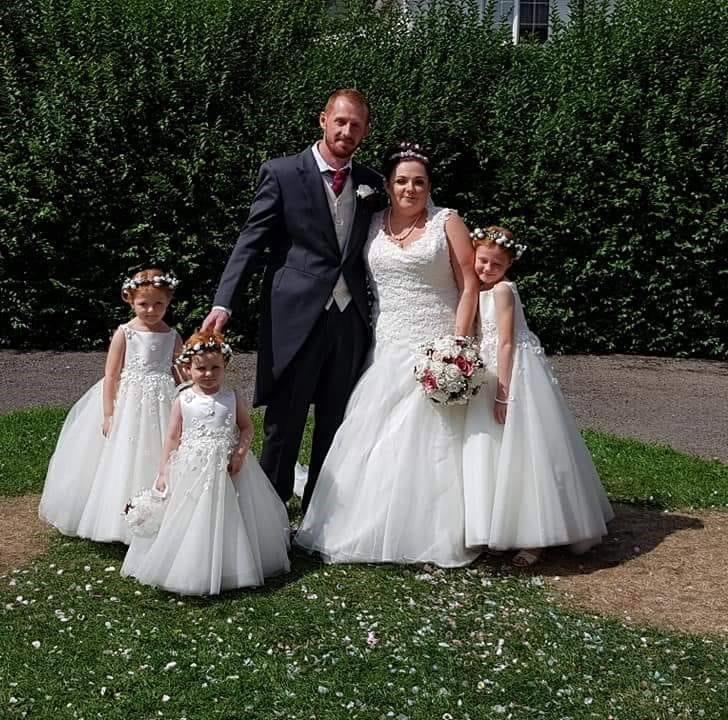 Amie August wedding photo maroon bouquet