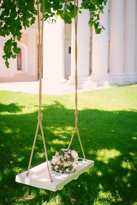 garden swing bride
