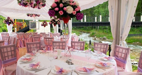 Pink wedding tables outdoors